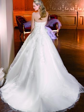 Mooiste Bruidsjurken.Sale Opruiming Trouwjurken De Mooiste Bruidsjurken Voor De